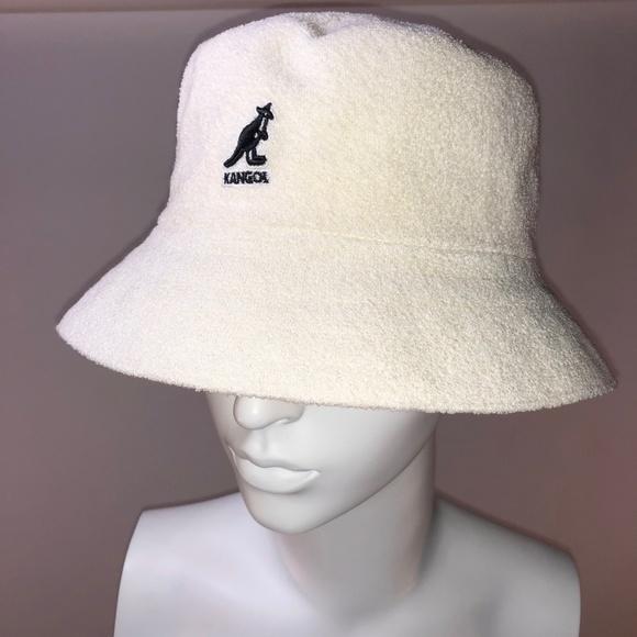 4240f4b0c3e NWT Kangol Ecru Boucle Bucket Hat